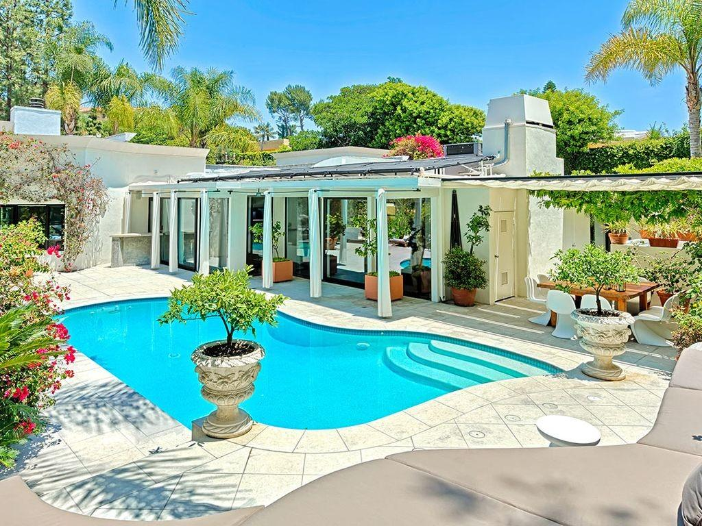 Beverly Hills Oasis Exquisite Poolside