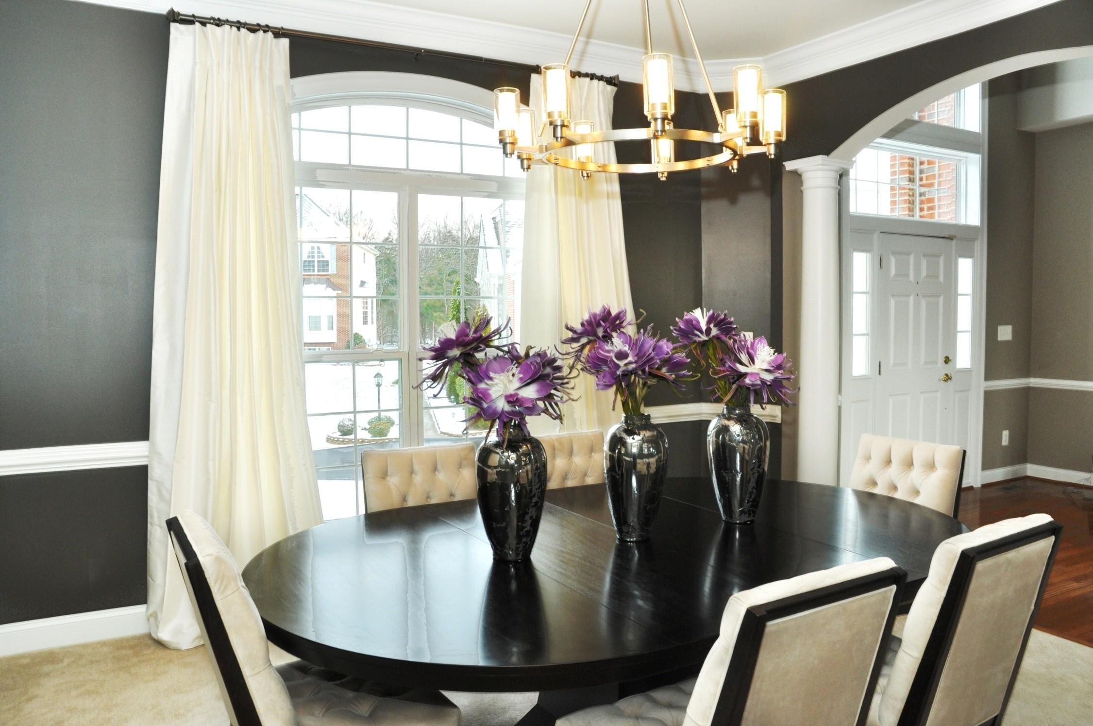 Big Dining Room Pendant Lighting Above Simple Wooden Table
