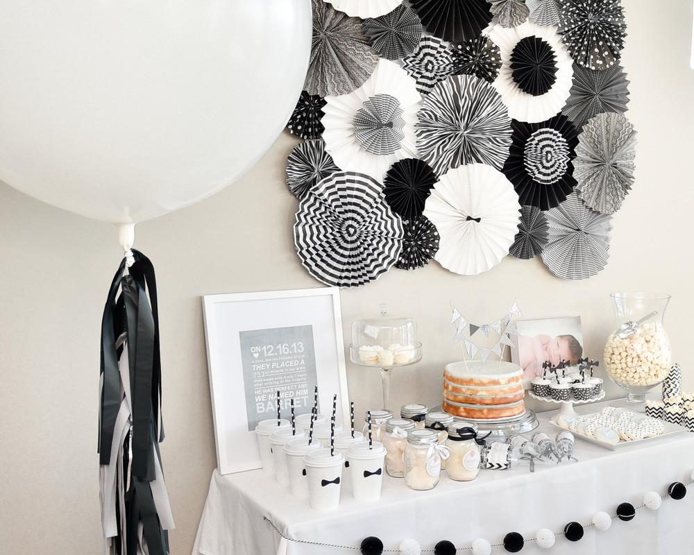 Black White New Year Eve Party Table Decorations