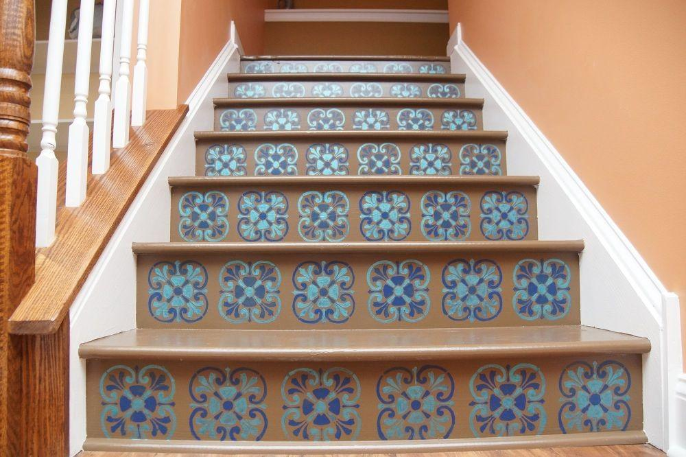 Bold Ways Redo Your Outdated Staircase Without