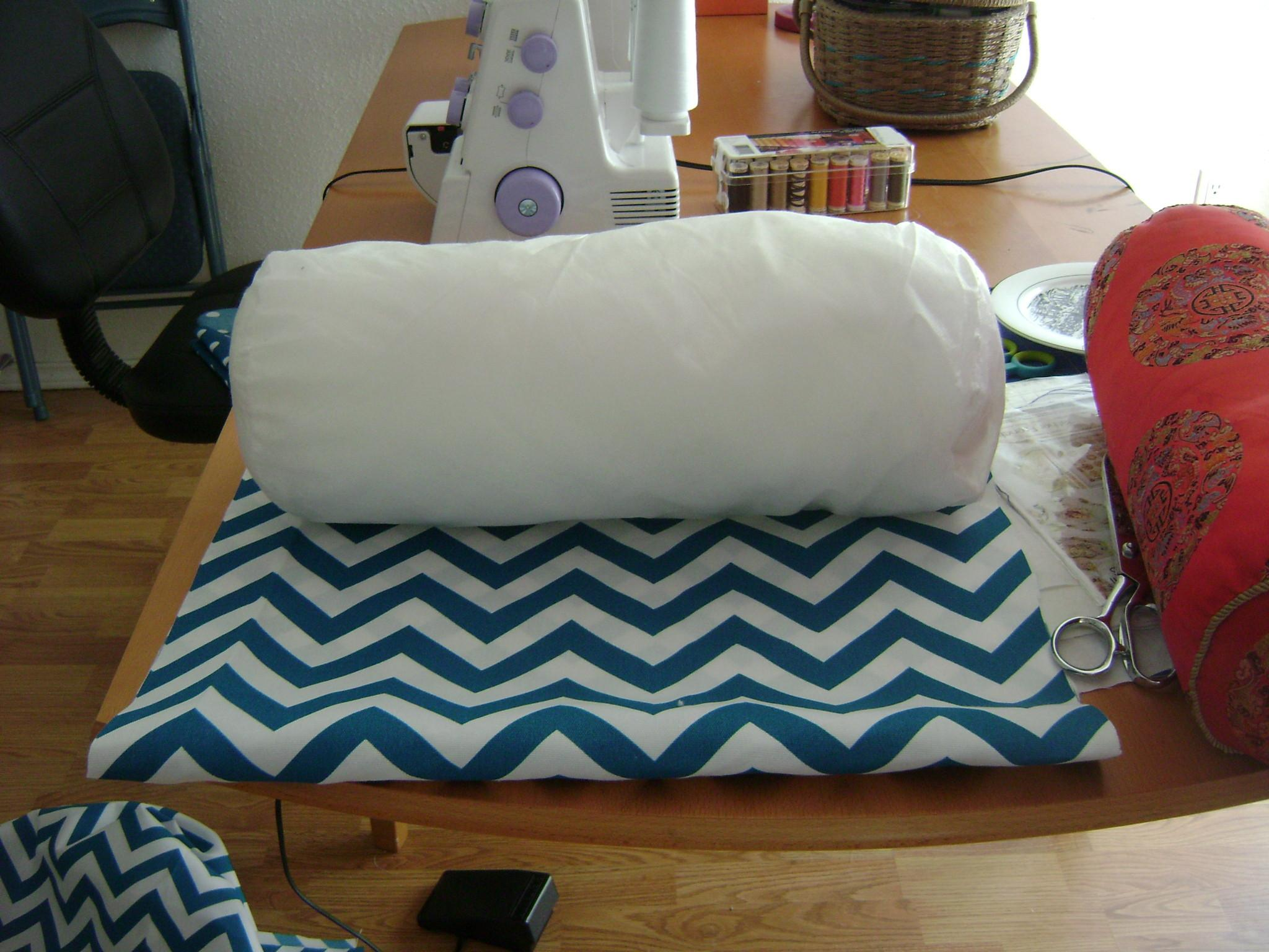 Bolster Pillow Tutorial Sew Vac Outlet Humble Sewing