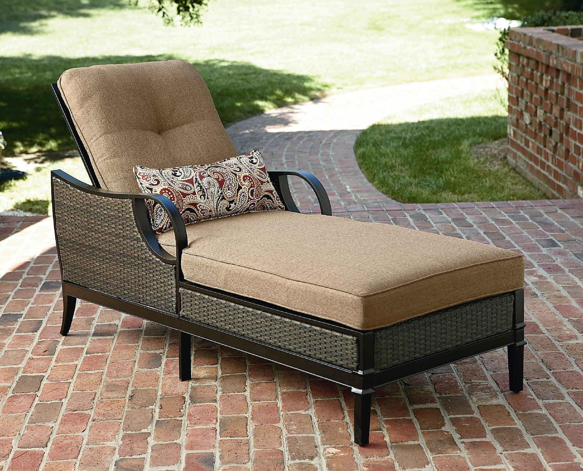 Boy Outdoor Charlotte Chaise Lounge