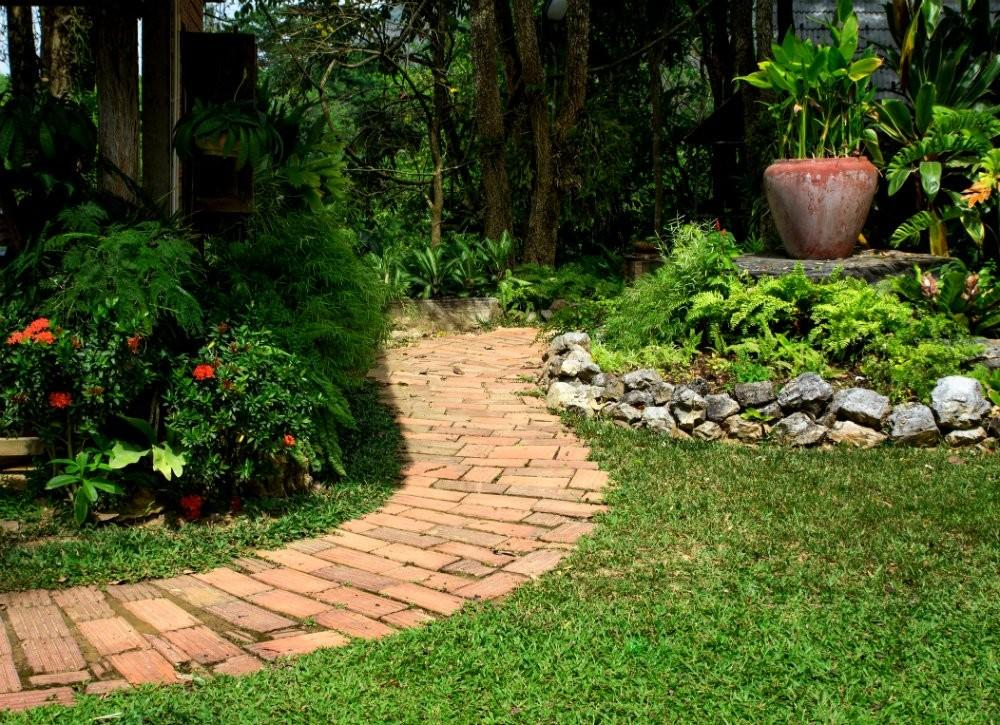 Brick Walkway Diy Garden Paths Thrifty Designs Bob