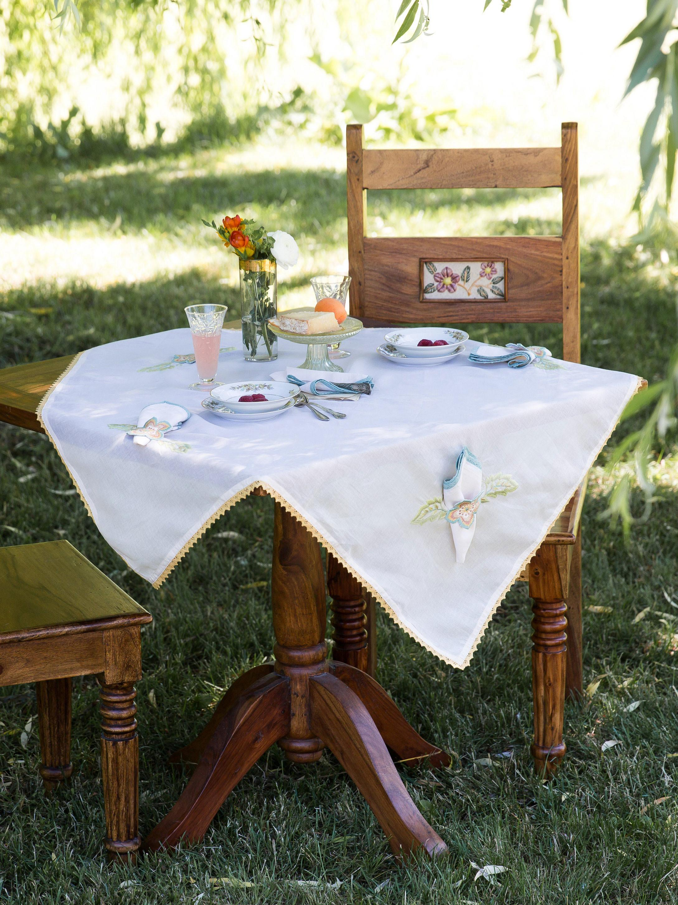 Bridge Party Embroidered Tablecloth Set Linens Kitchen