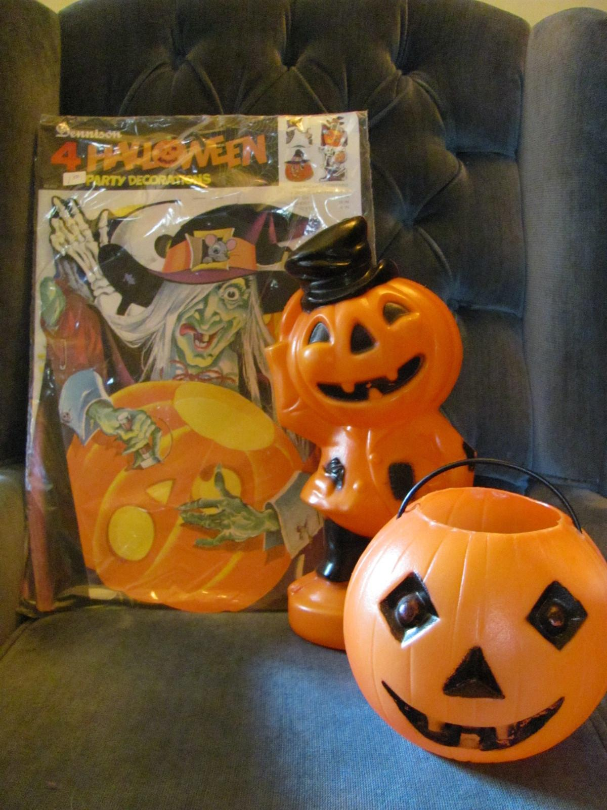 Bucks County Folk Art Vintage Halloween Decorations