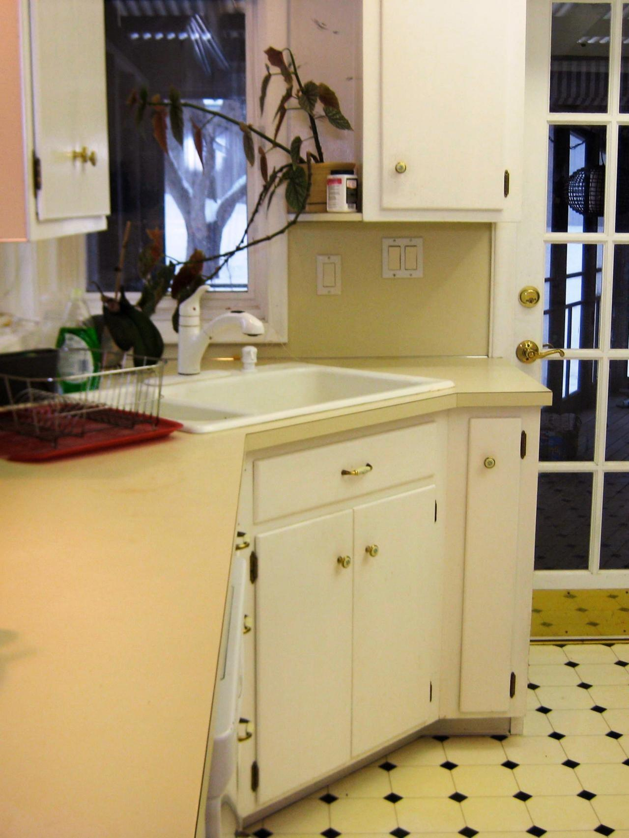 Budget Friendly Before After Kitchen Makeovers Diy