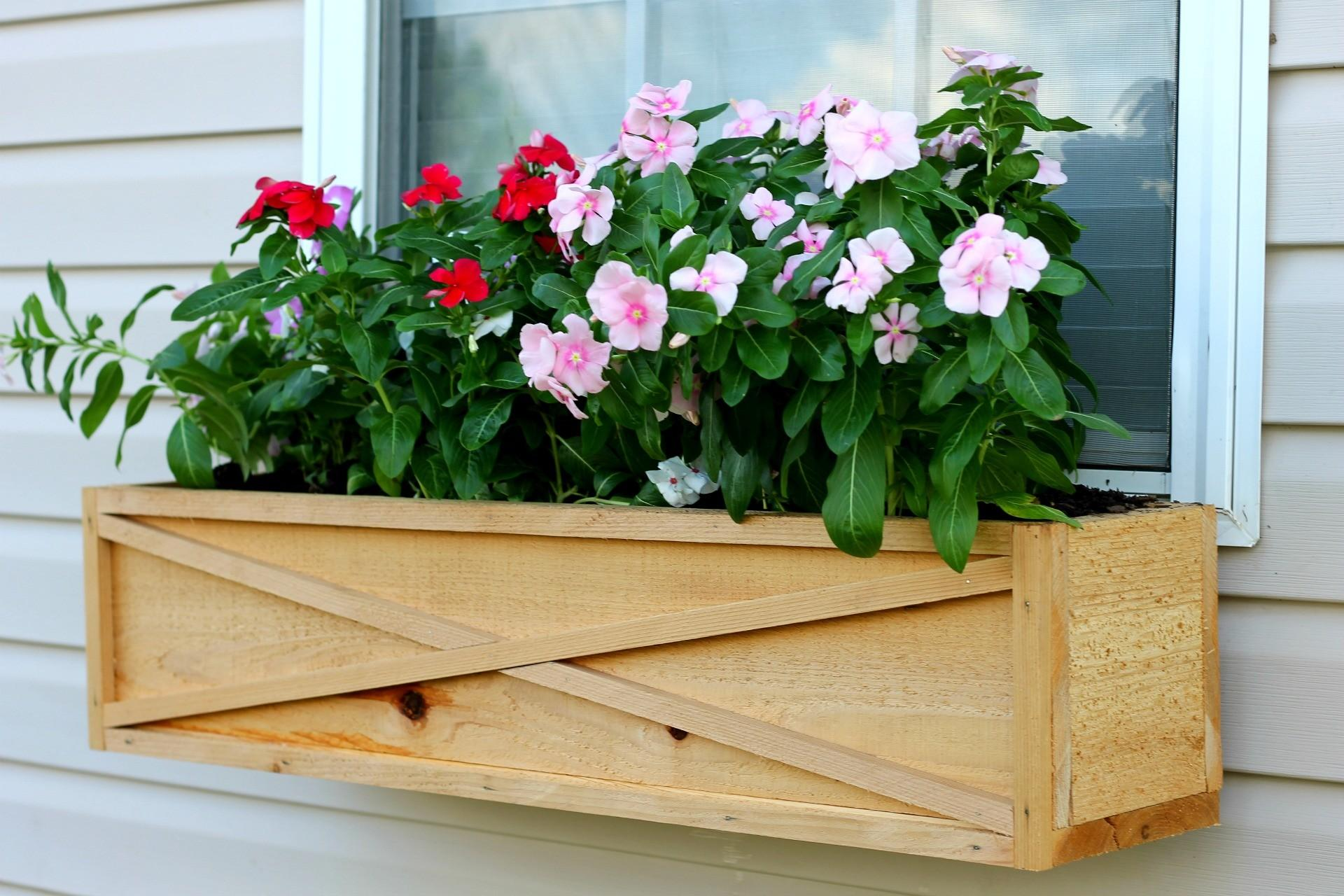Build Cedar Window Box Planter