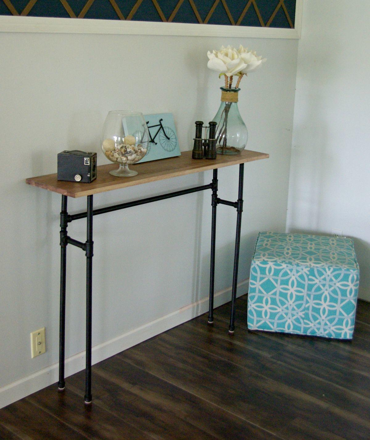 Build Rustic Table Using Galvanized Pipes
