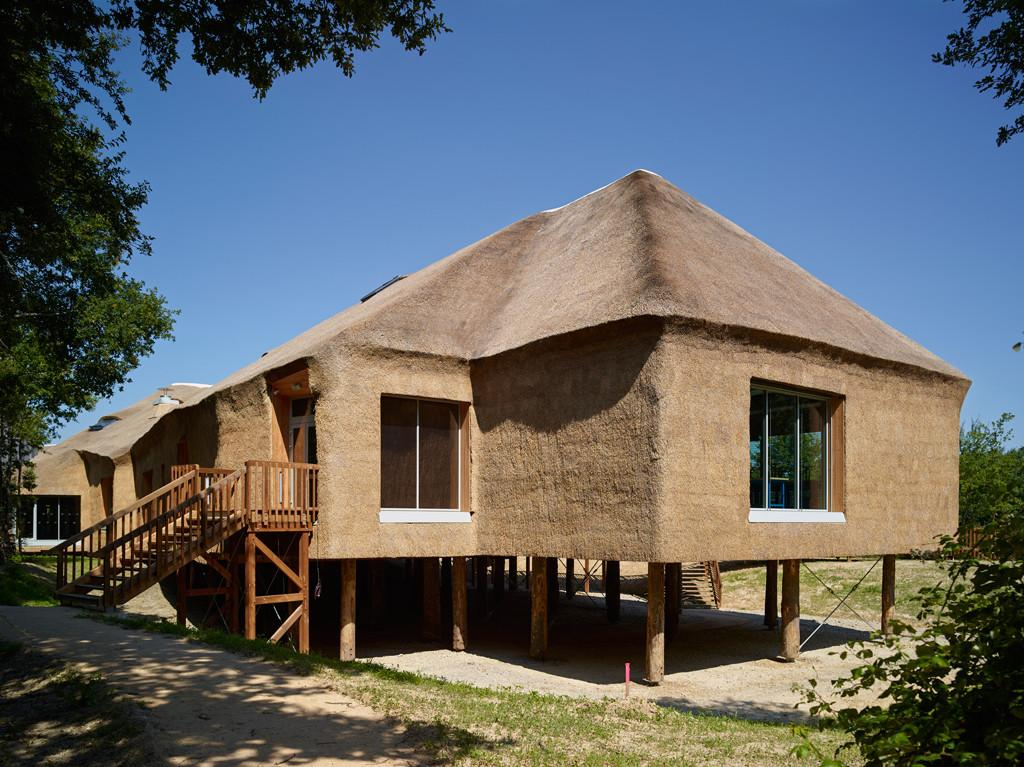 Buildings Know Make Thatched Roof Look Modern