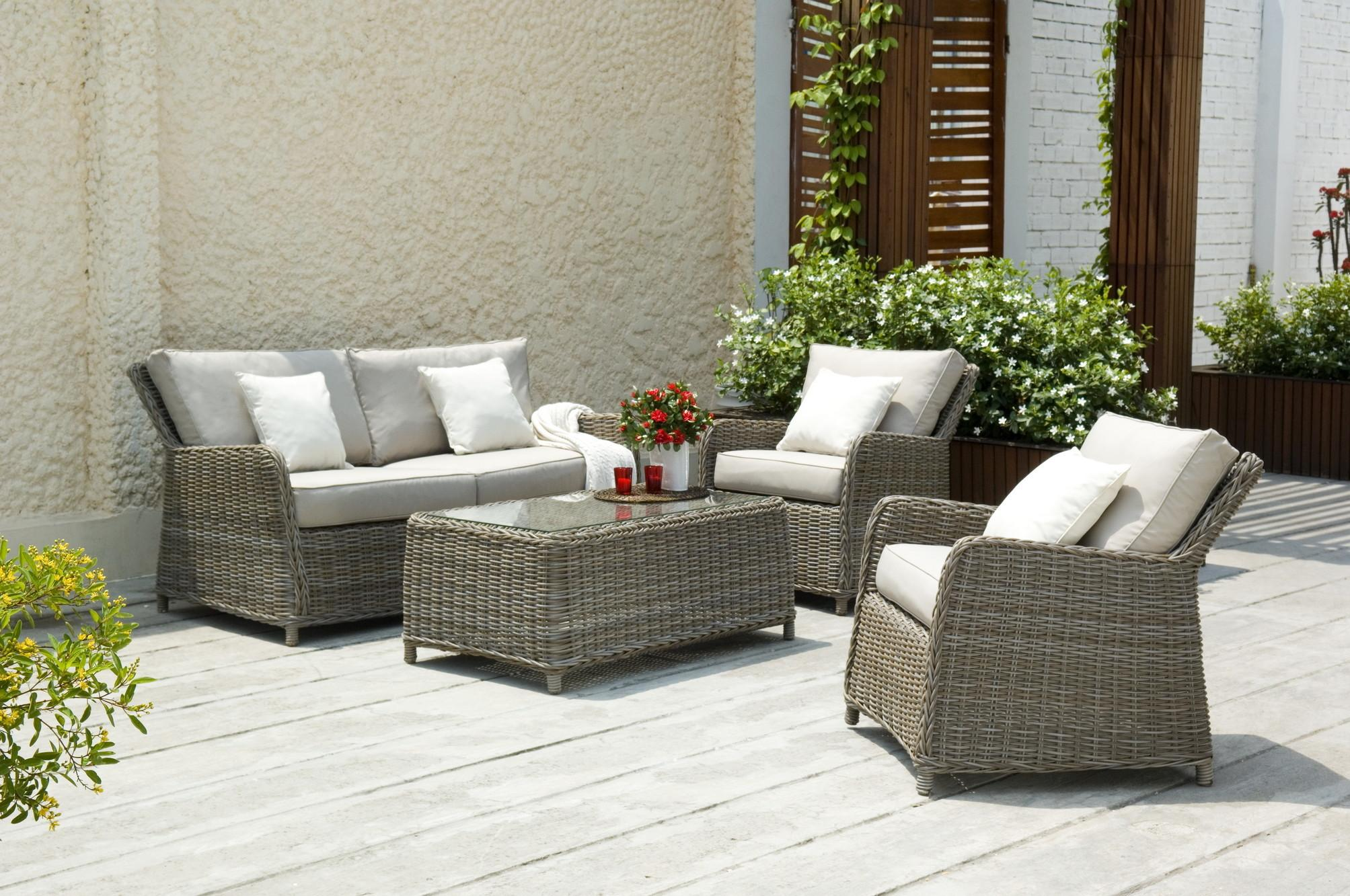 Buy Best Rattan Garden Furniture Out