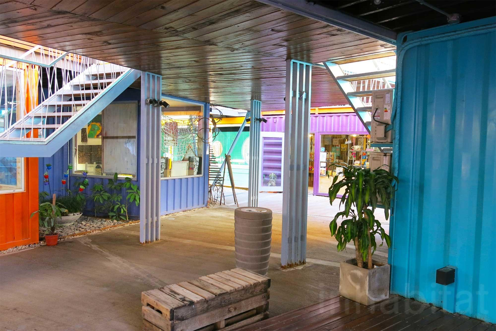 Bzz Arquitectura Shipping Container Mall Quo
