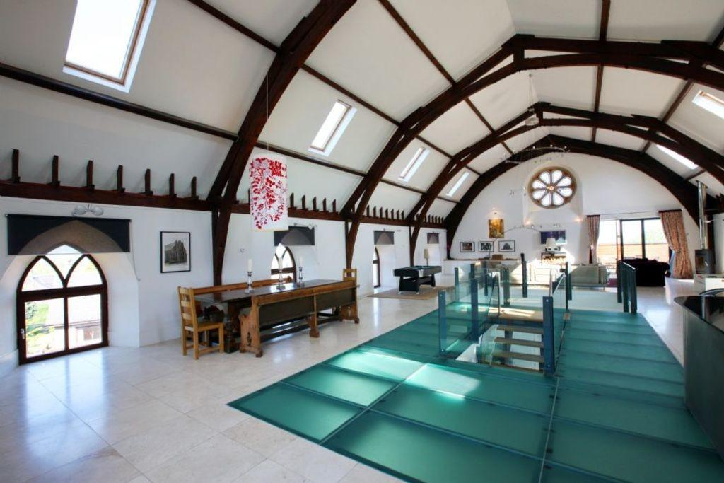 Cairns House Kelso Five Bedroom Church