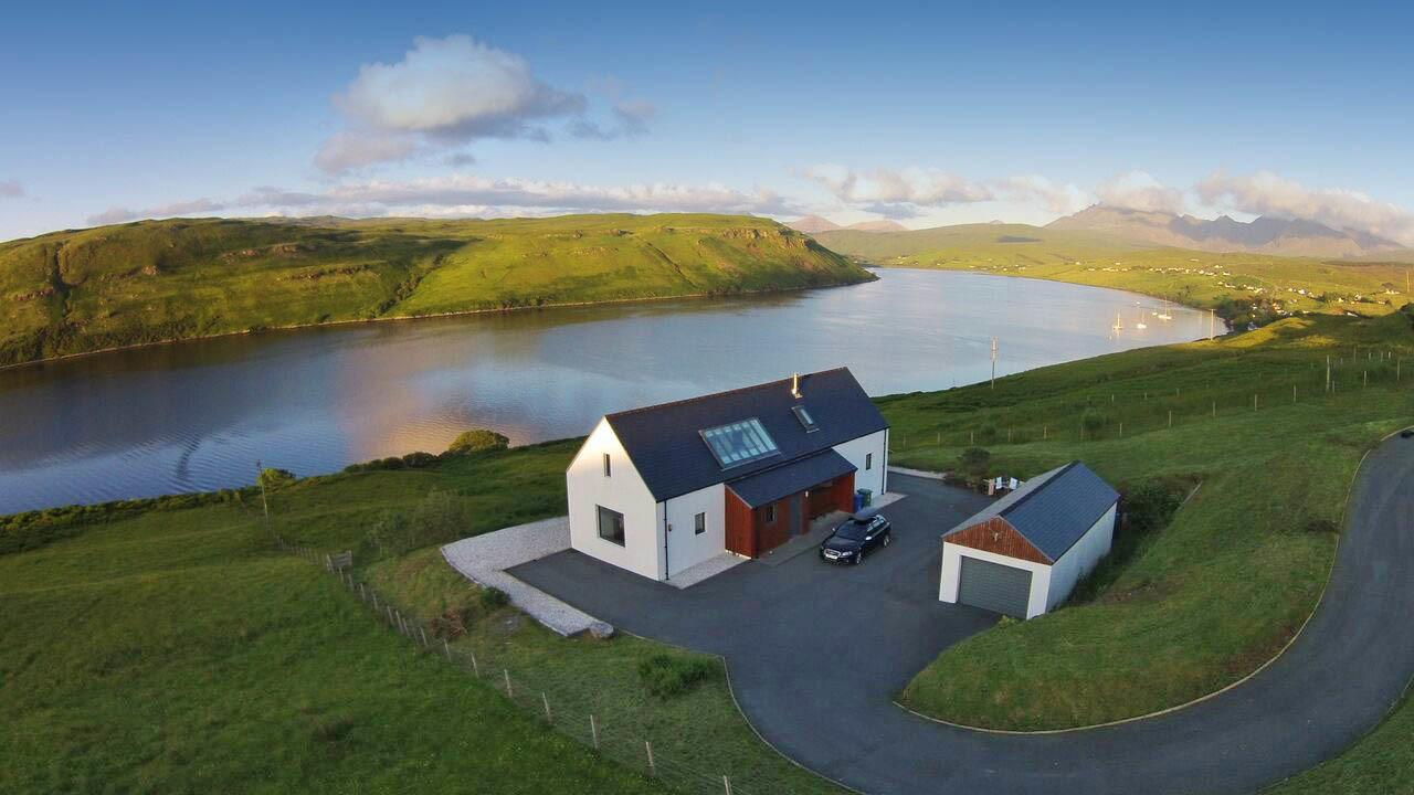 Calath Near Carbost Luxury Self Catering Holiday Cottage