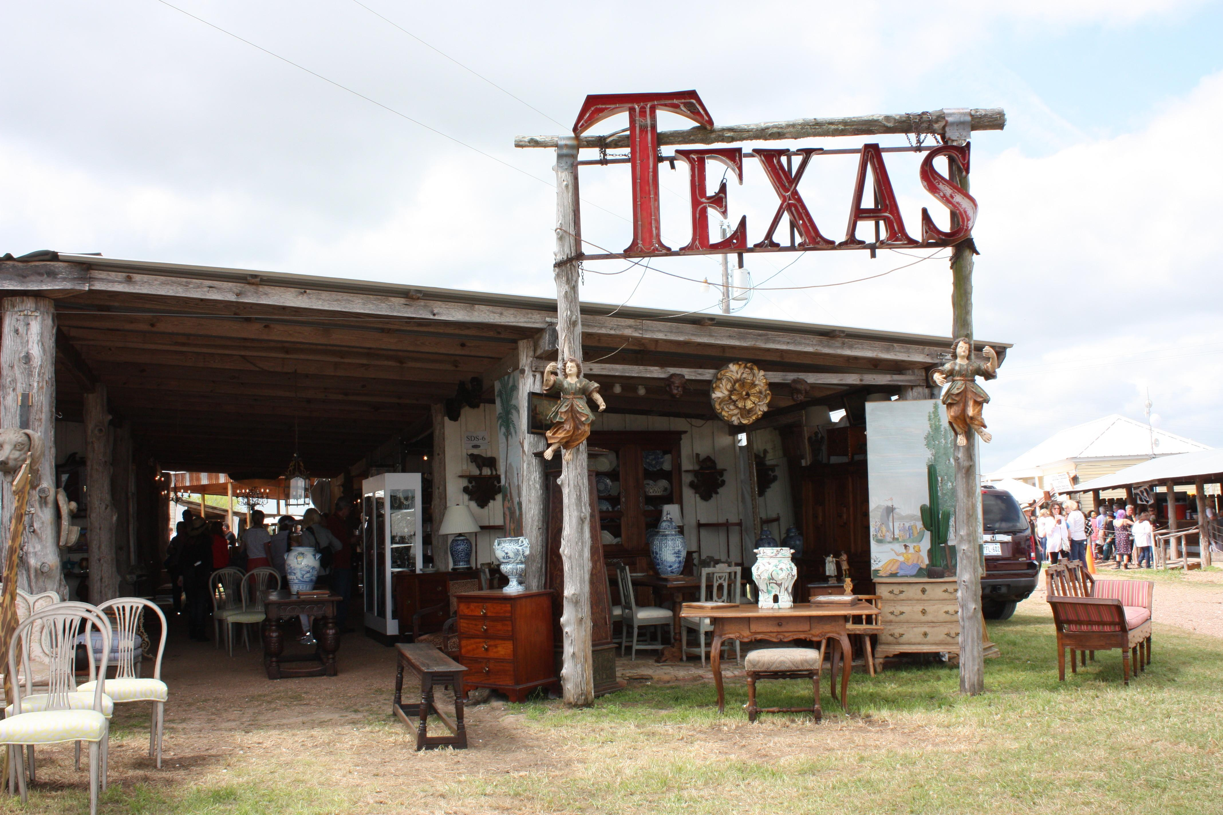 Can Miss Tips Round Top Antiques Show