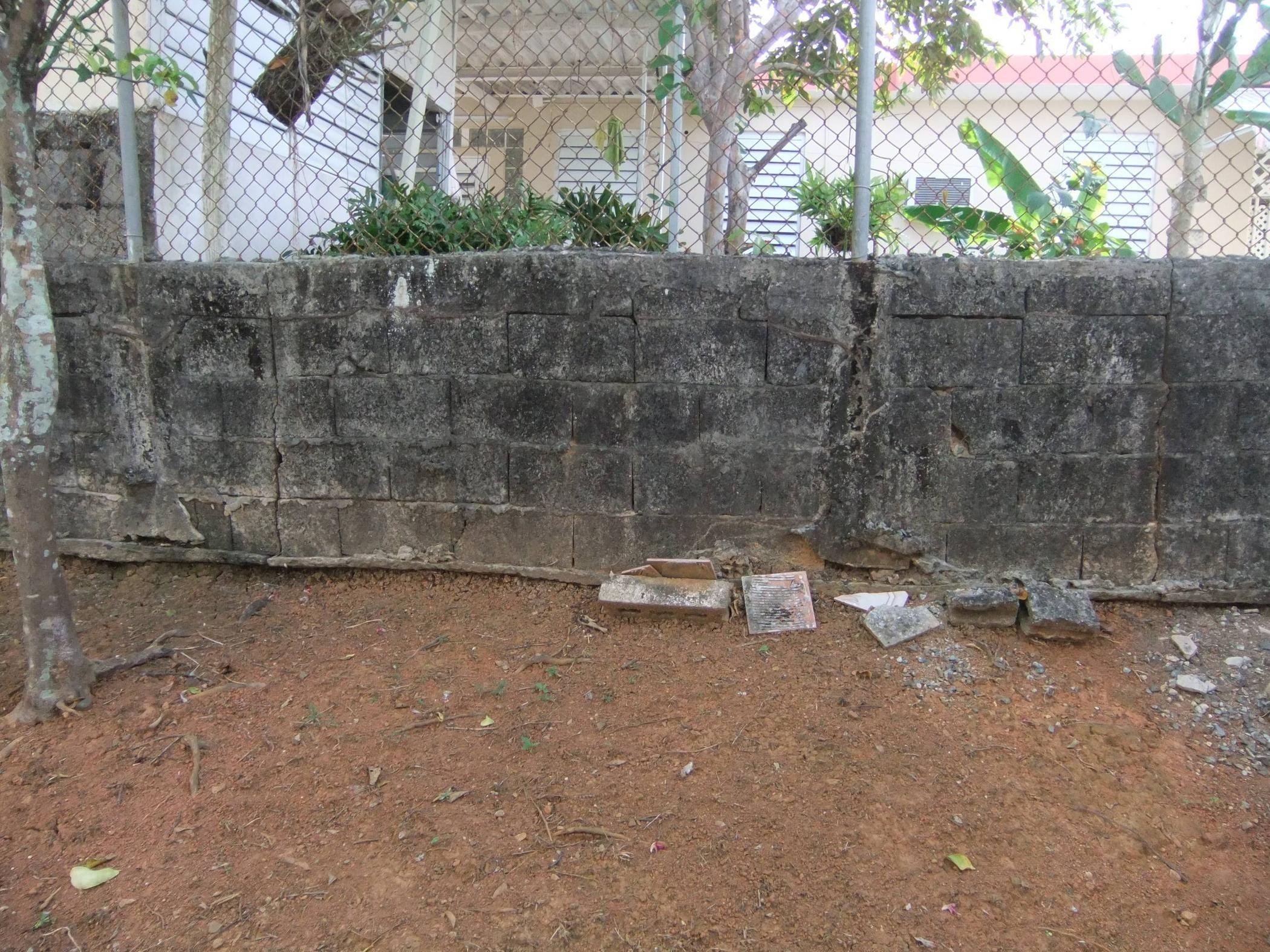 Can Prevent Concrete Block Wall Falling
