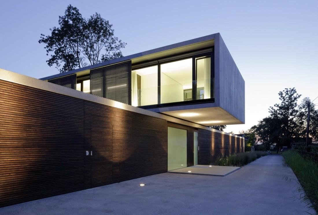 Cantilevered House Town Hard Austria