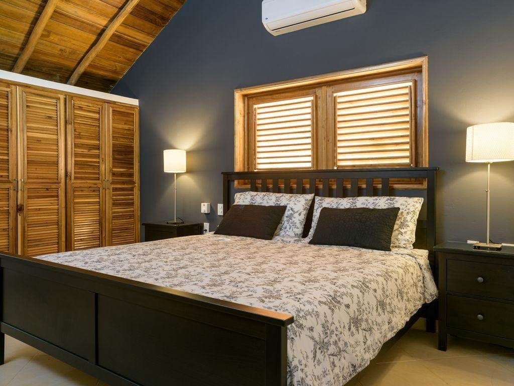 Caribbean Style Bedroom House All Modern Facilities