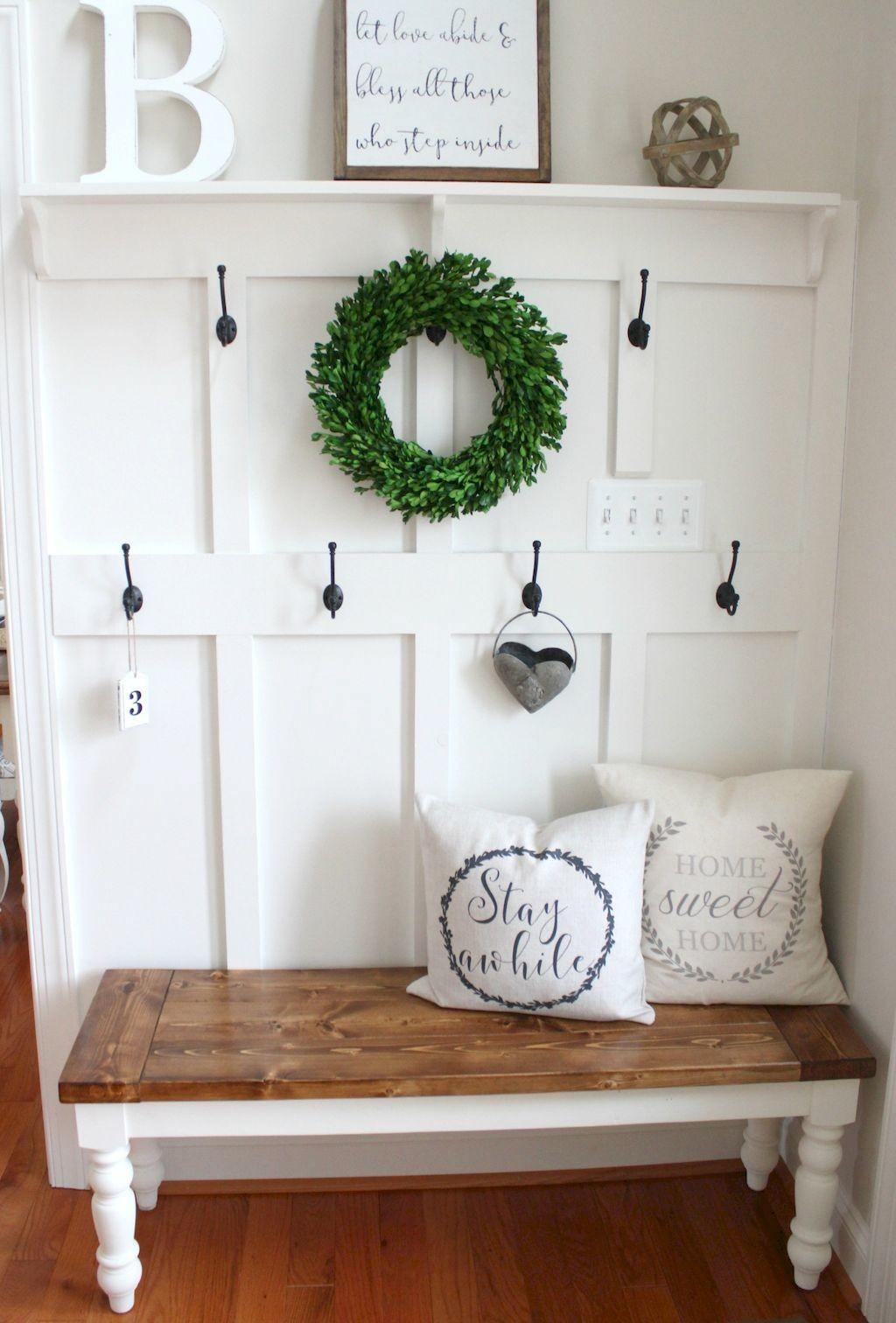 Catchy Farmhouse Rustic Entryway Decor Ideas