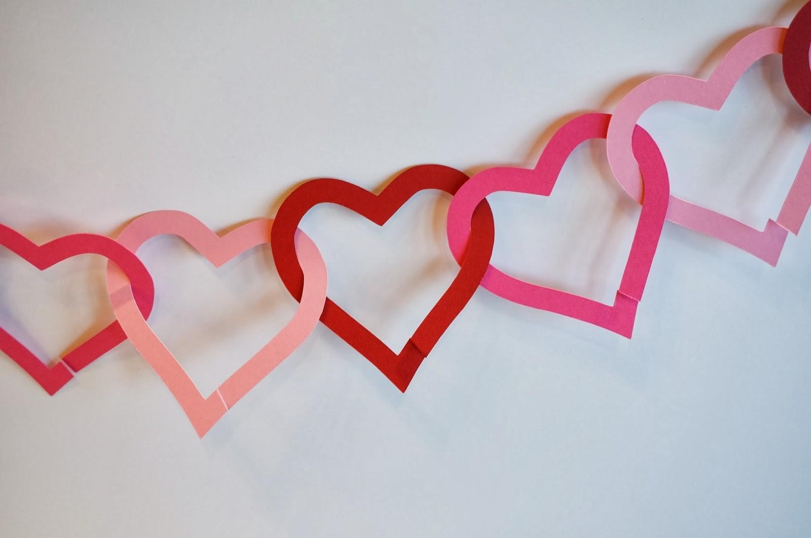Cats Homestead Paper Heart Garland