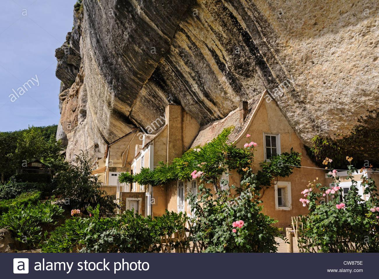 Cave House Carved Into Rock Face Cliff Grotte