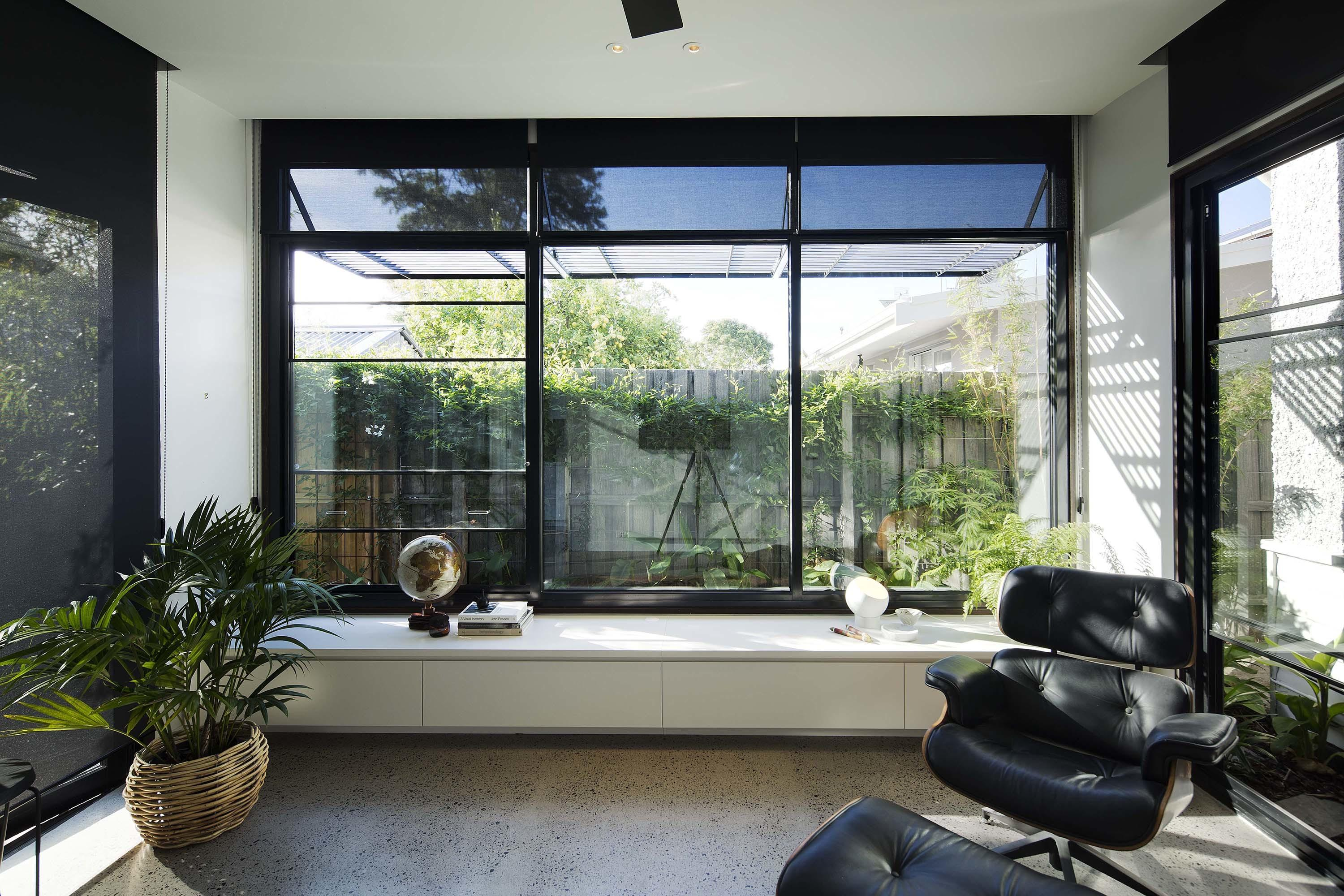 Century Old Melbourne Home Gets Stylish Box Garden
