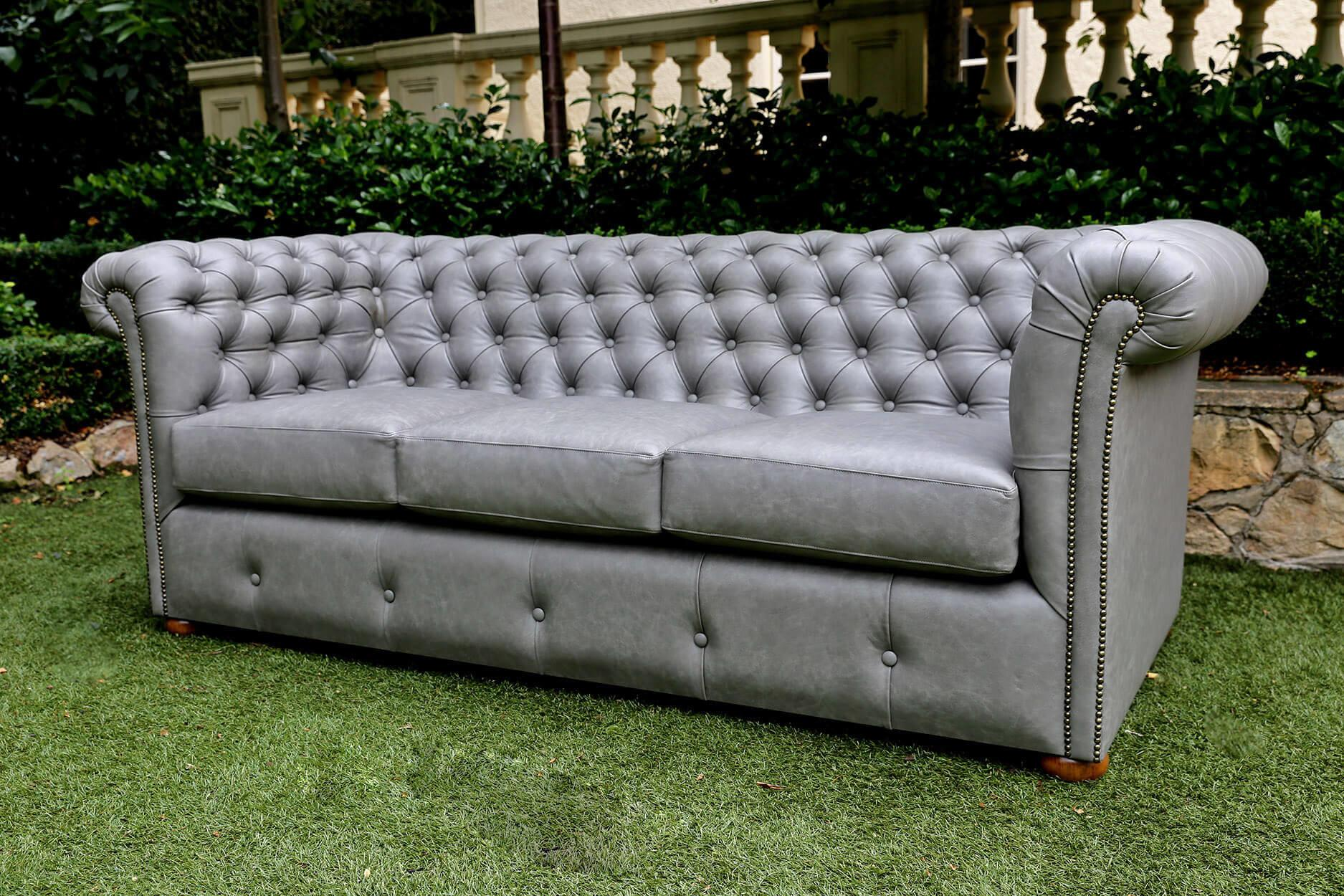 Creative Chesterfield Sofa Interiors Inspiration That Will Charm