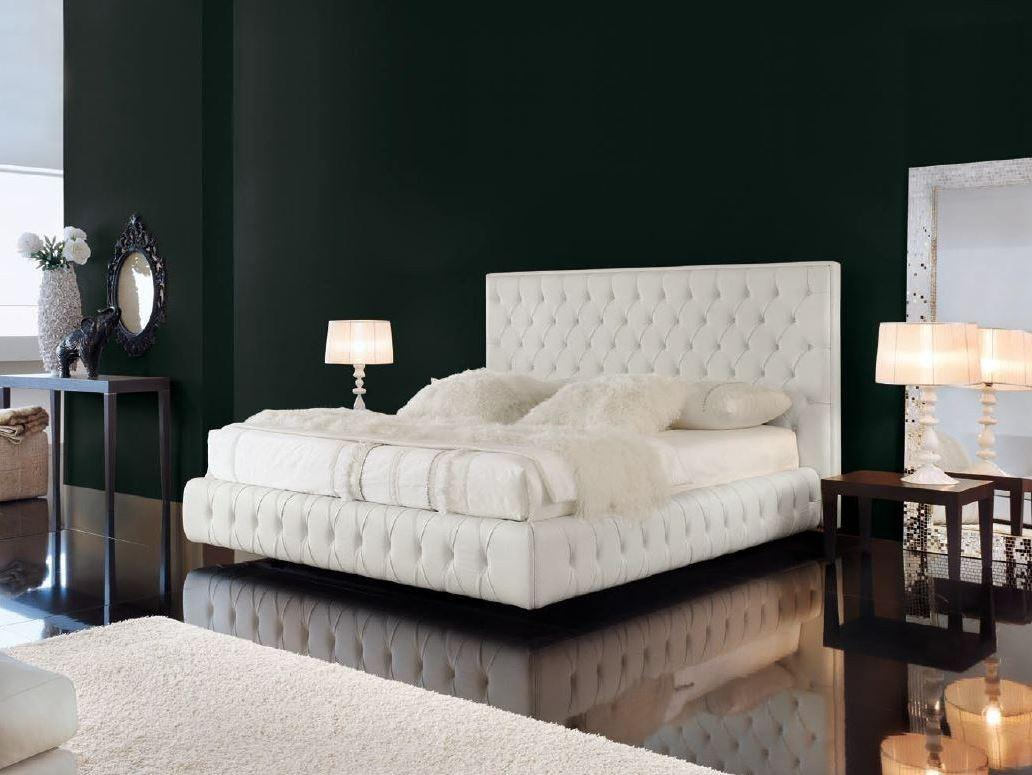 Chesterfield Style Bed Tufted Headboard Doge