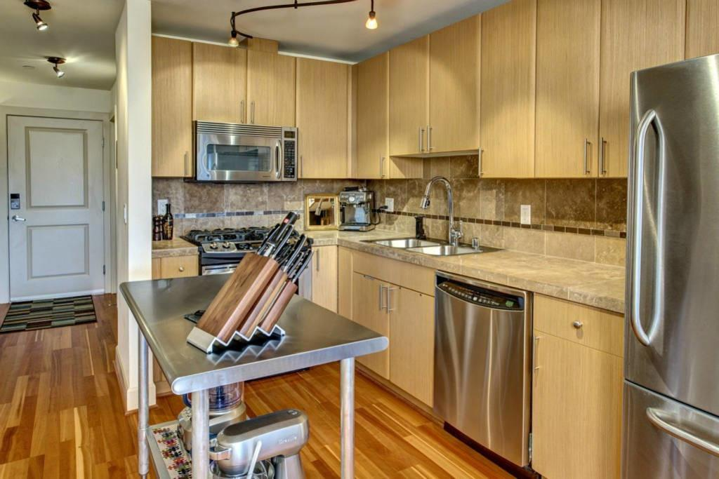 Chic Modern Capitol Hill Condo Appartements