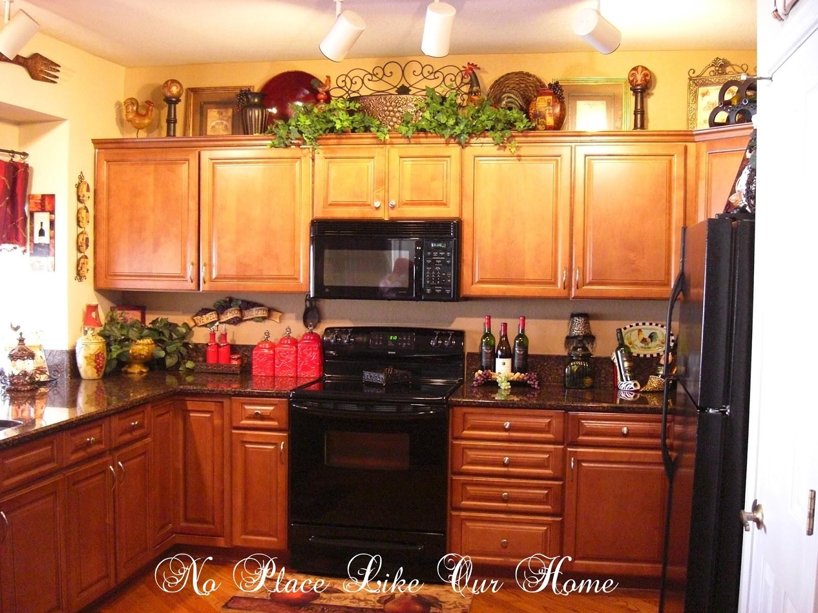 Christmas Decorating Ideas Above Kitchen Cabinets Decoratorist 43623