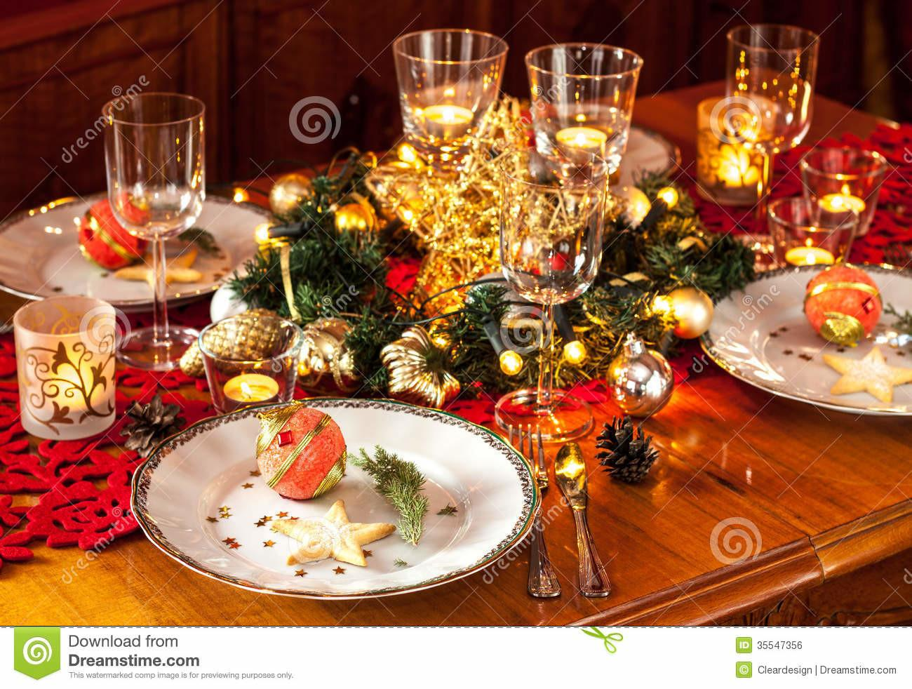 Christmas Eve Dinner Party Table Setting Decorations