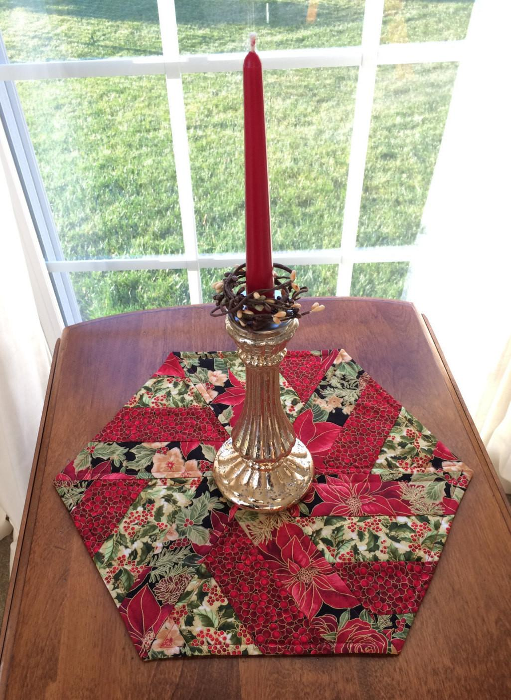 Christmas Red Green Quilted Hexagon Table Runner Candle