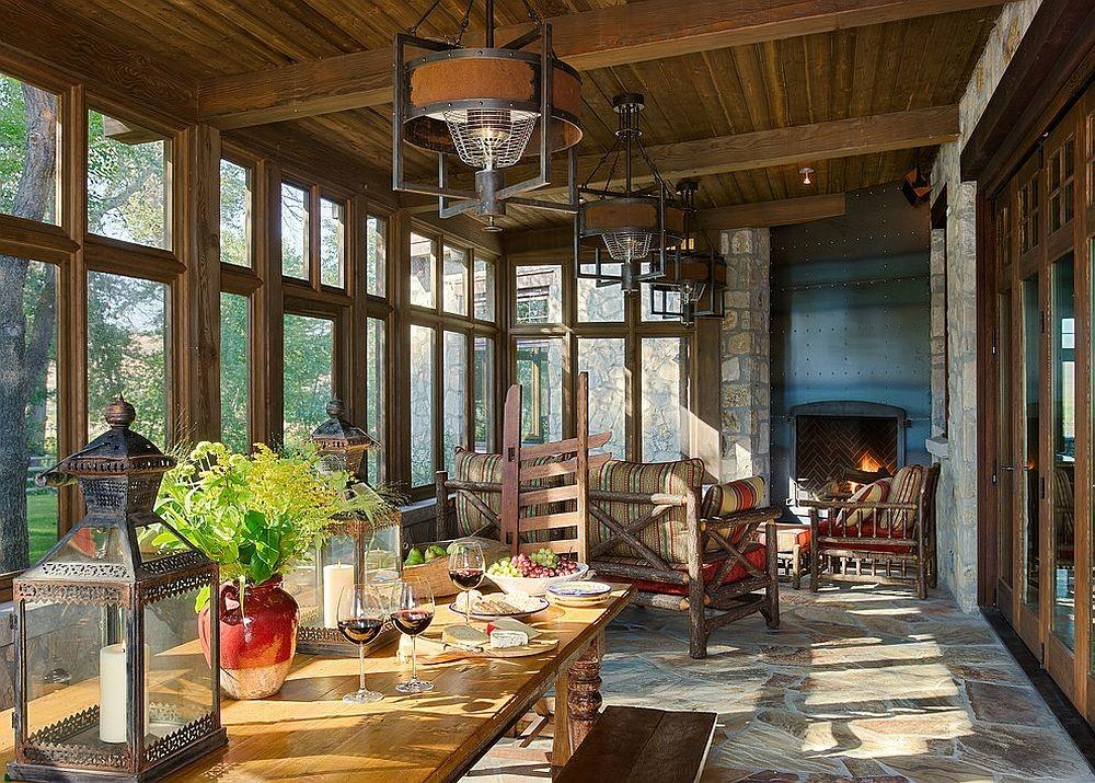 Classic Rustic Ranch Style Spacious Sunroom