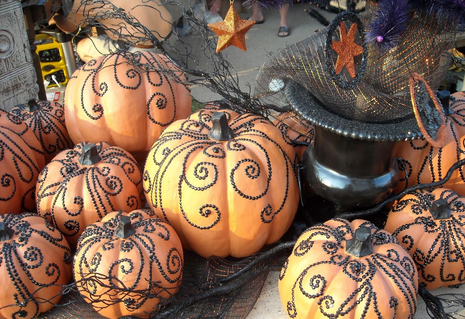 Classy Housewife Chic Pumpkin Decorating Ideas