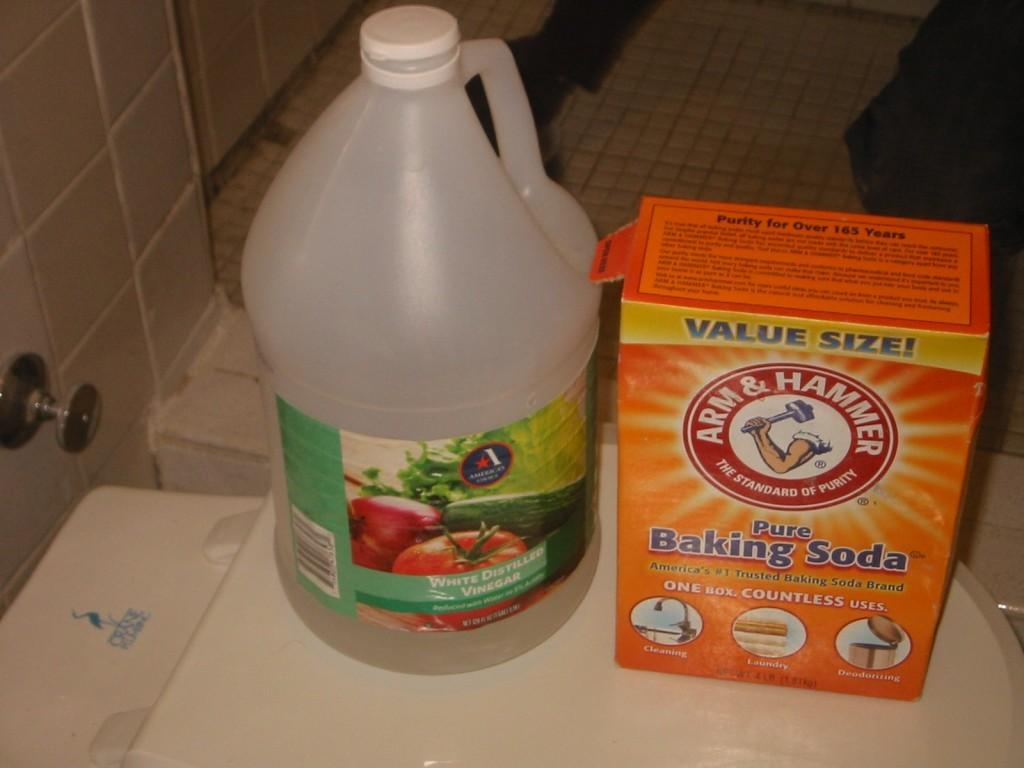 Cleaning Bathtub Vinegar Baking Soda
