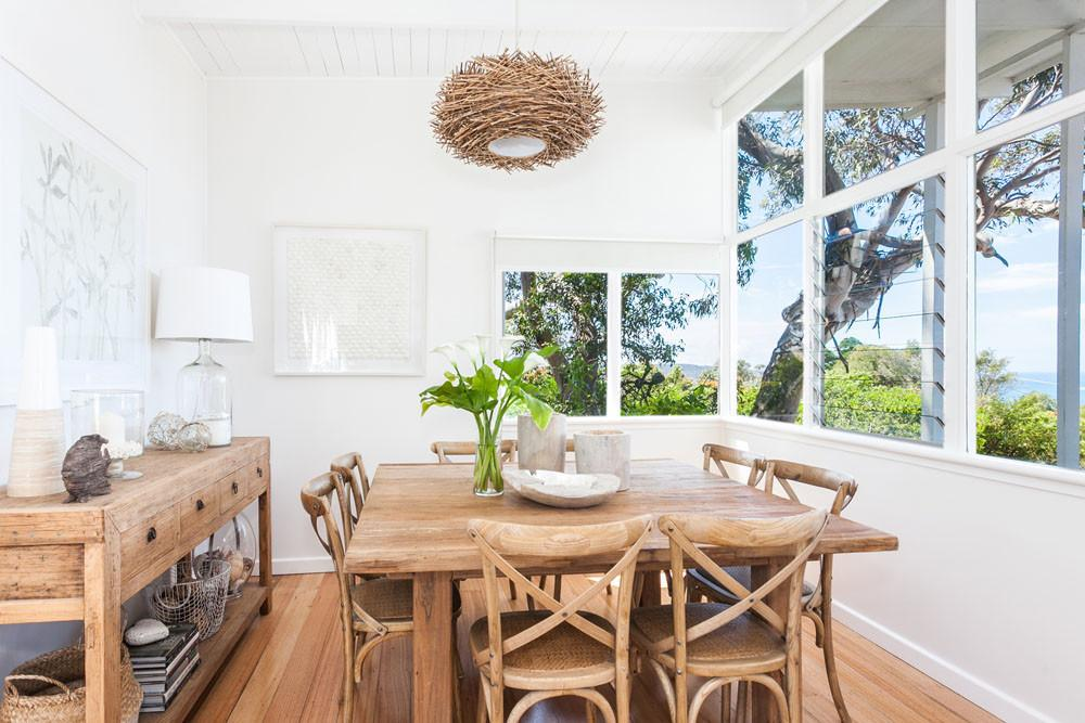 Coastal Style Beach House Dining Room