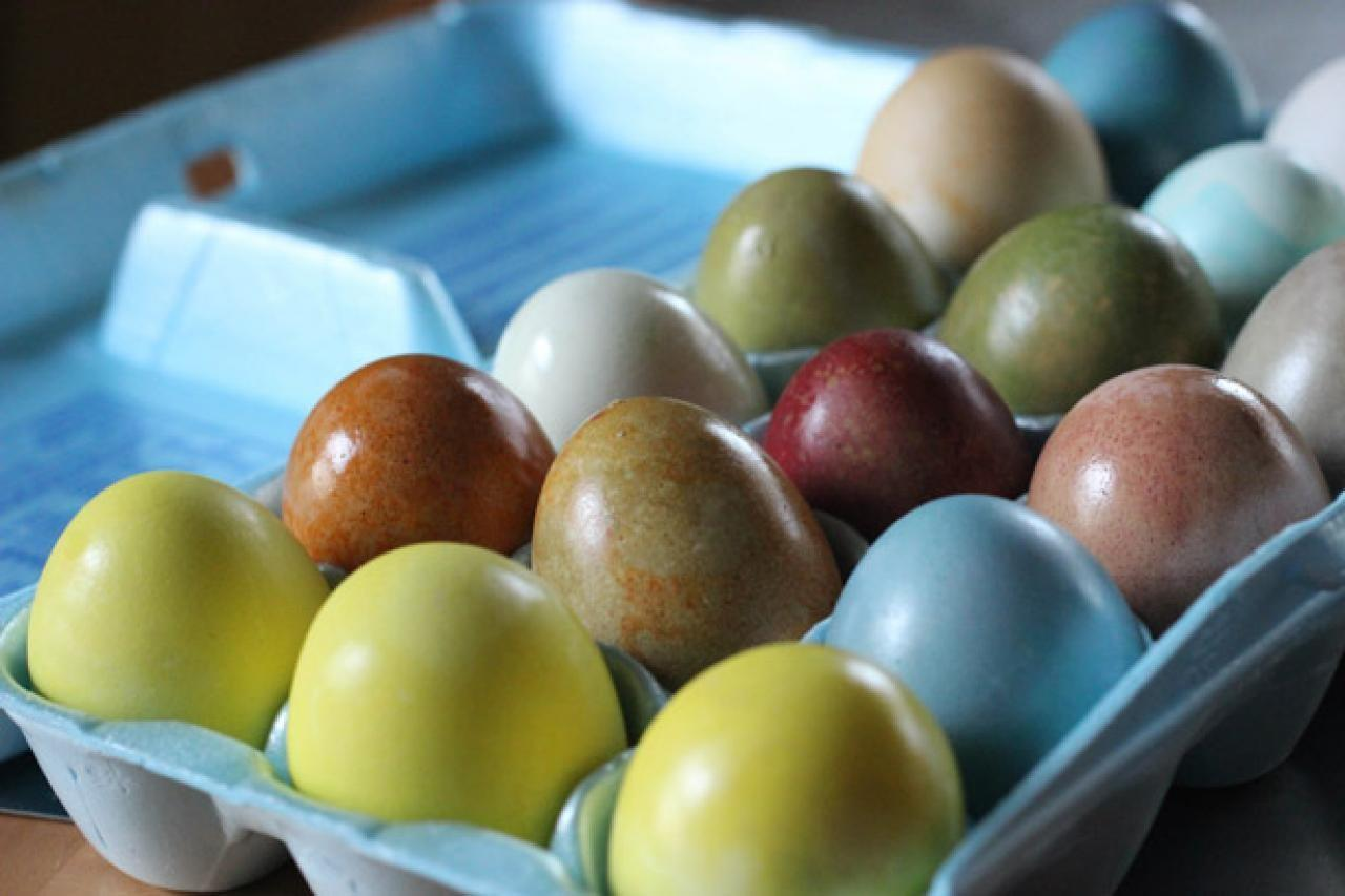 Color Easter Eggs Using Natural Dyes Tos Diy