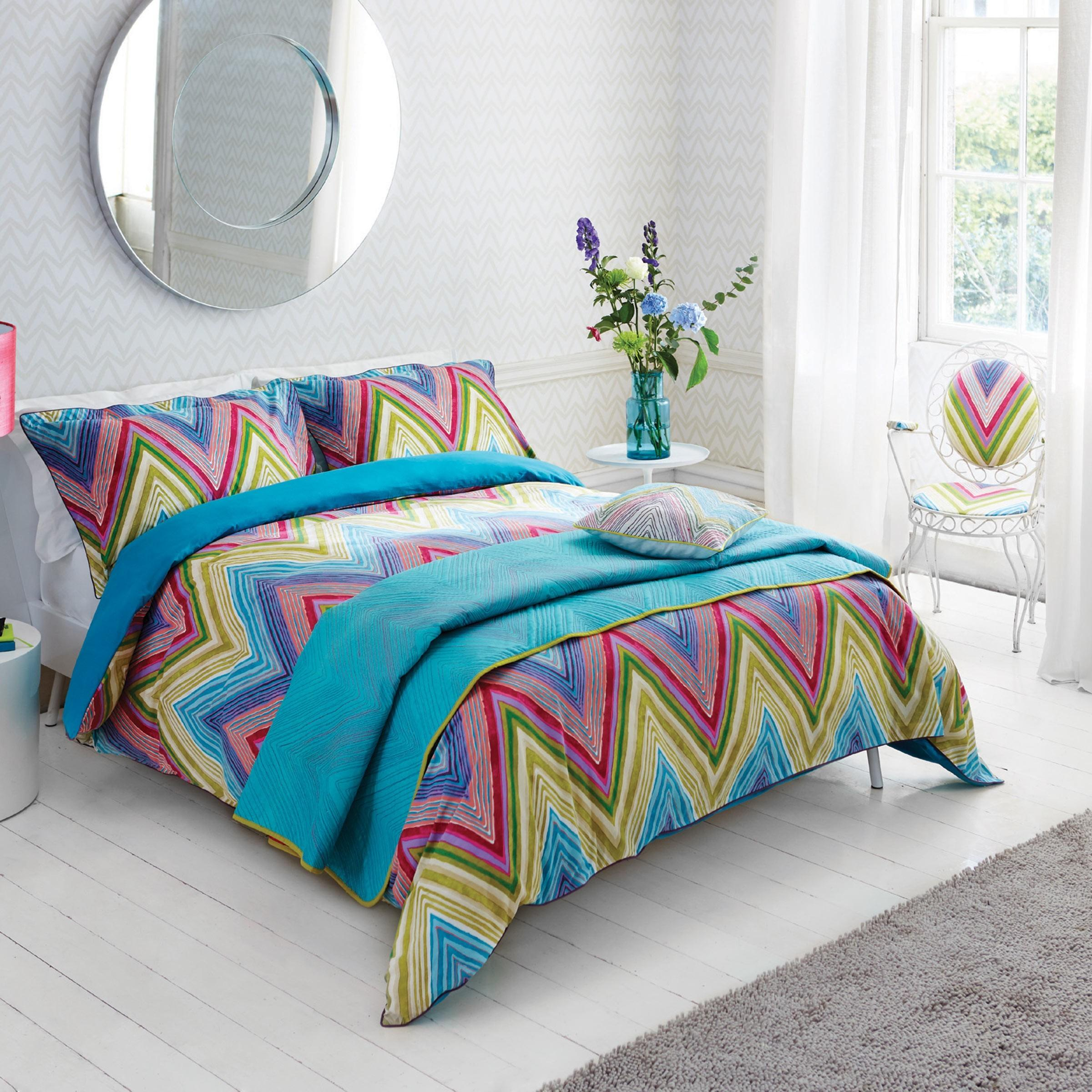 Colorful Bed Pillows Bedroom Loversiq