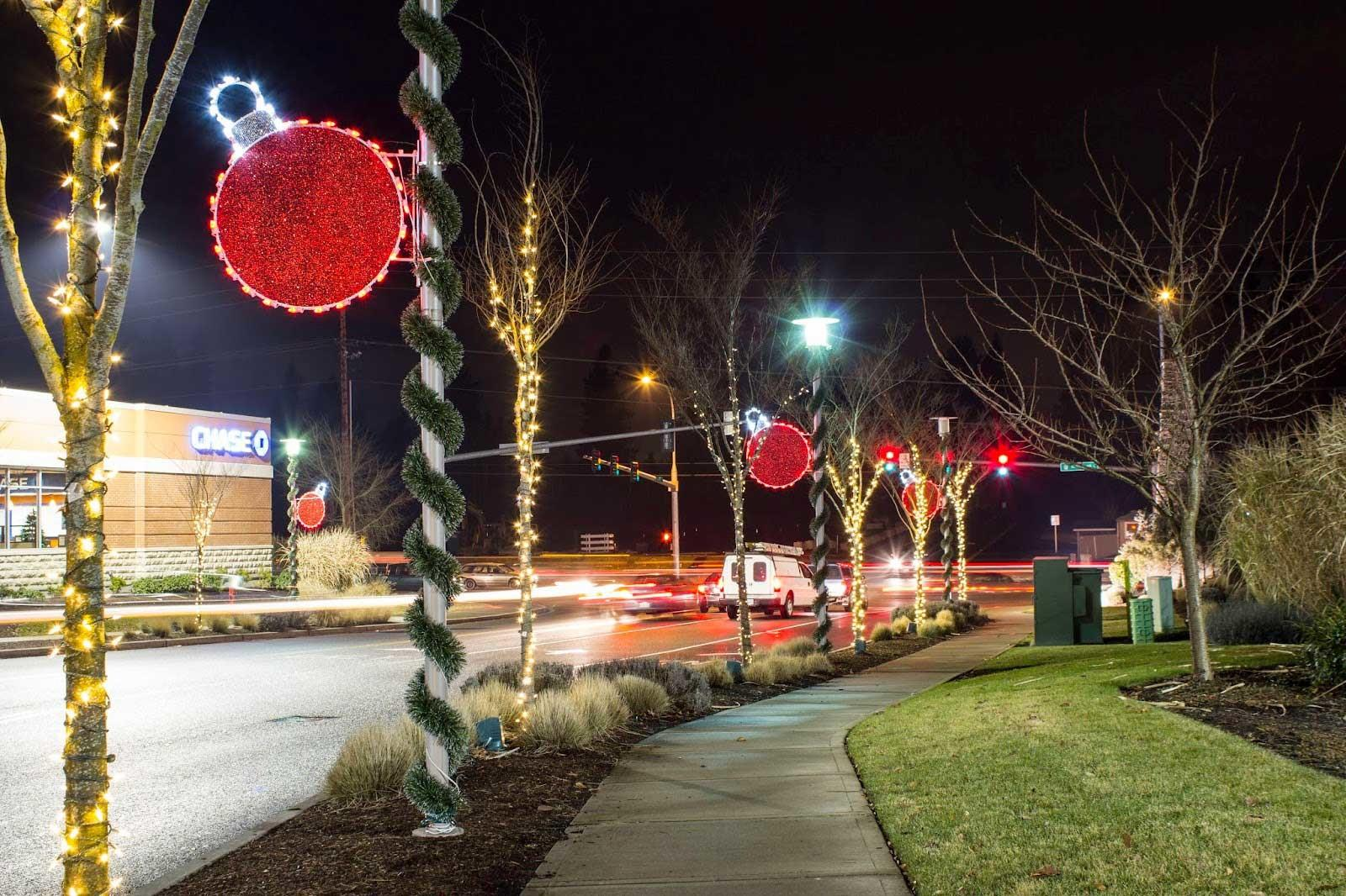 Commercial Christmas Decorations Light Pole Banners