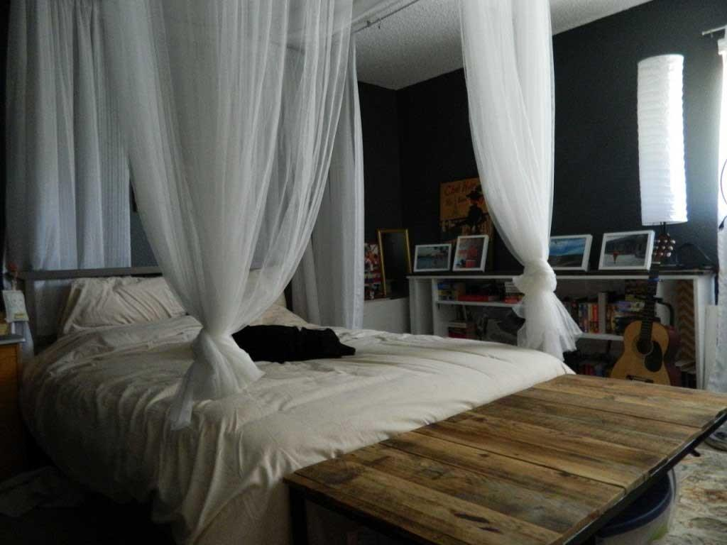 Compact Master Bedroom Decor Diy Canopy Bed