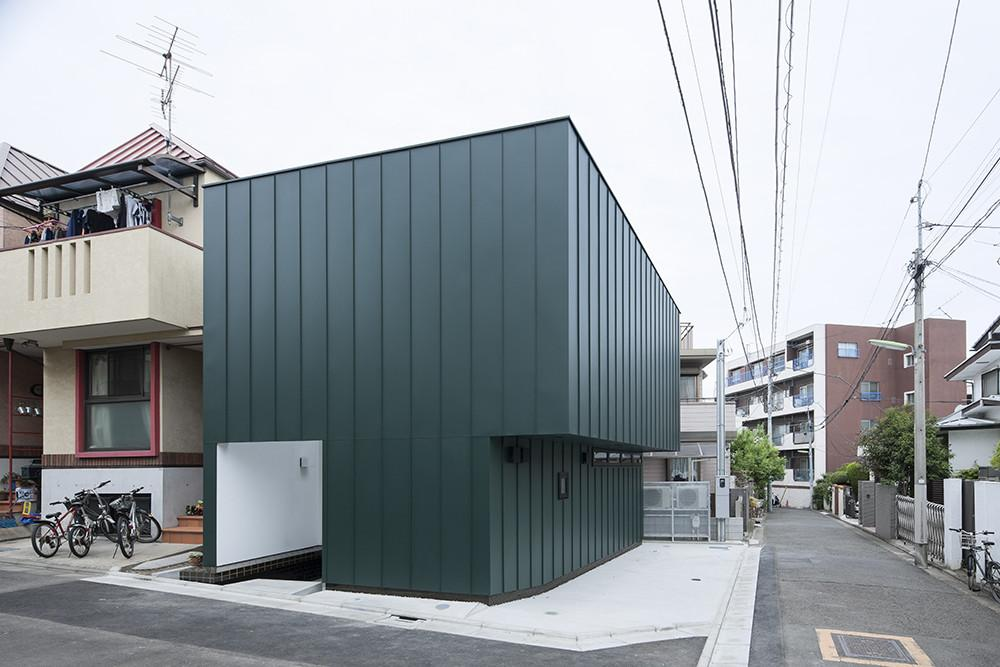 Compact Two Story House Keeping Noise Away Tokyo