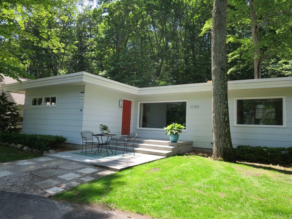 Completely Remodeled Mid Century Modern Home West Bay