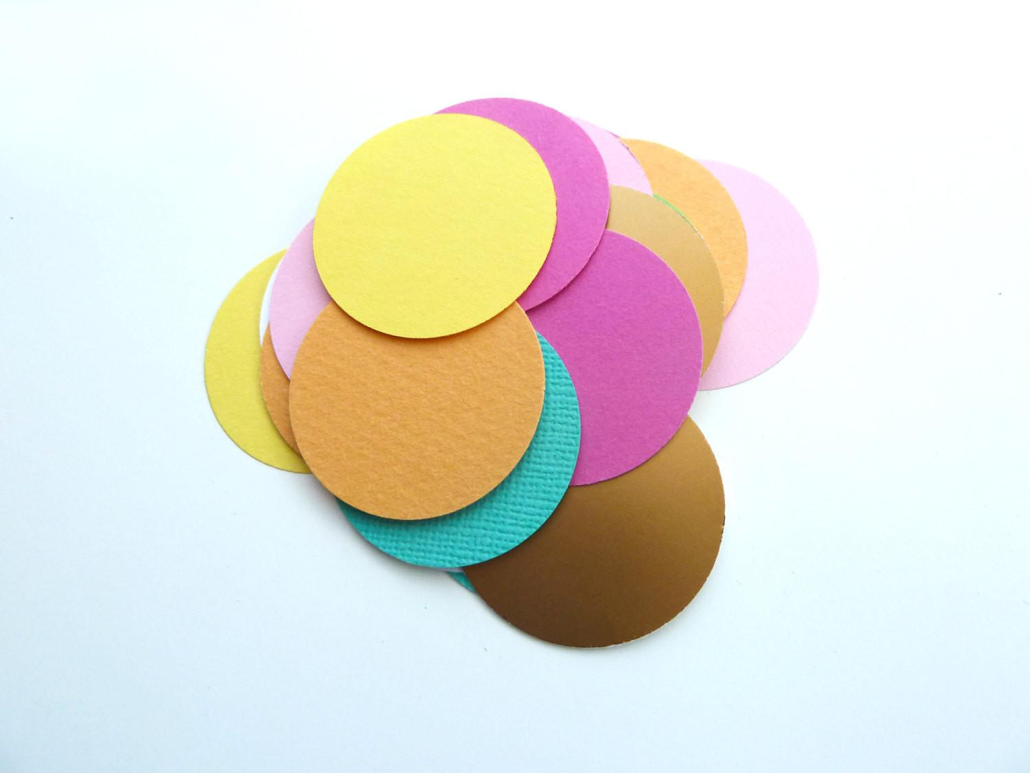 Confetti Summer Party Table Trend Decoration
