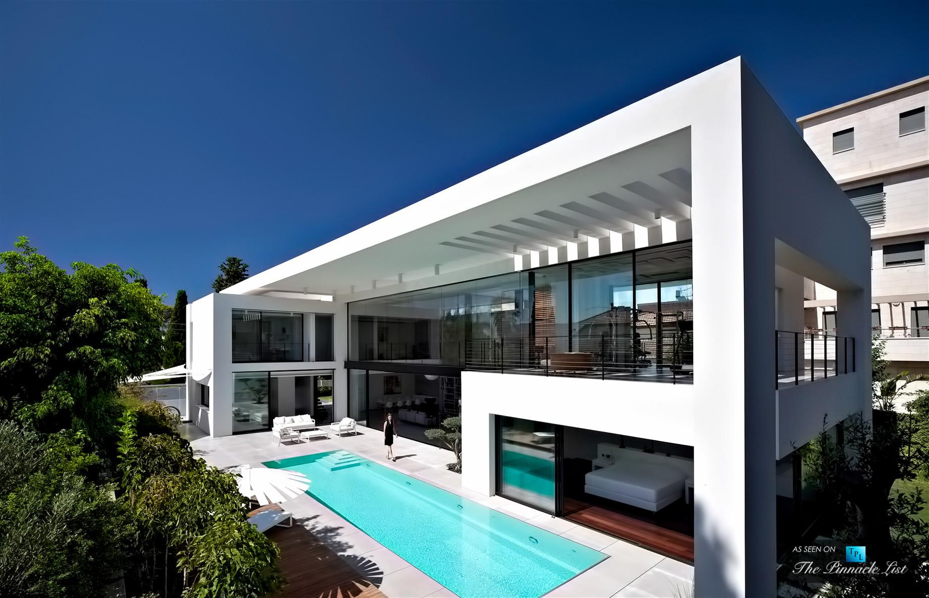 Contemporary Bauhaus Luxury Residence French Carmel