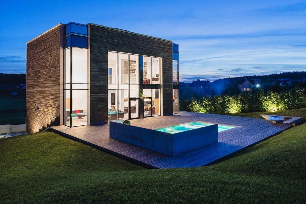 Contemporary Comfortable Functional Home One