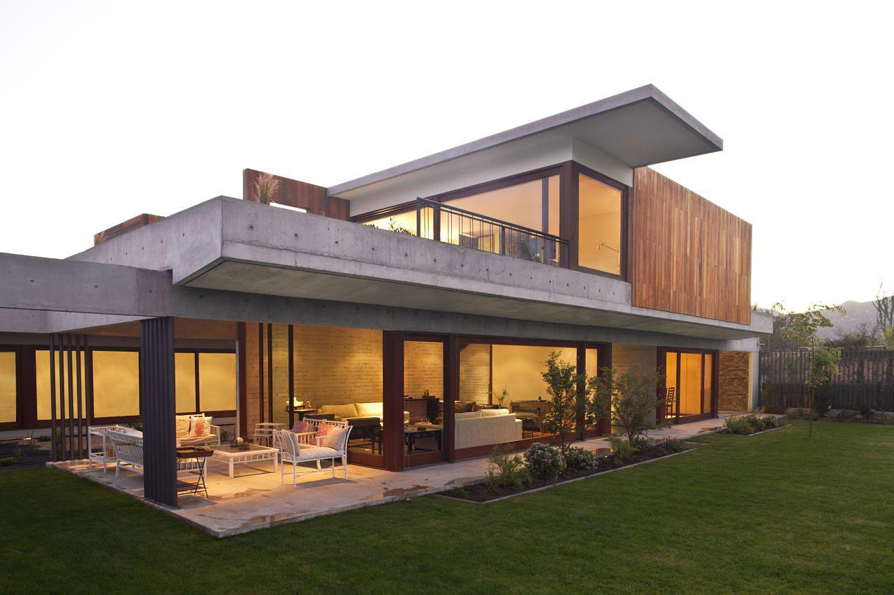 Contemporary Dehesa House Chile