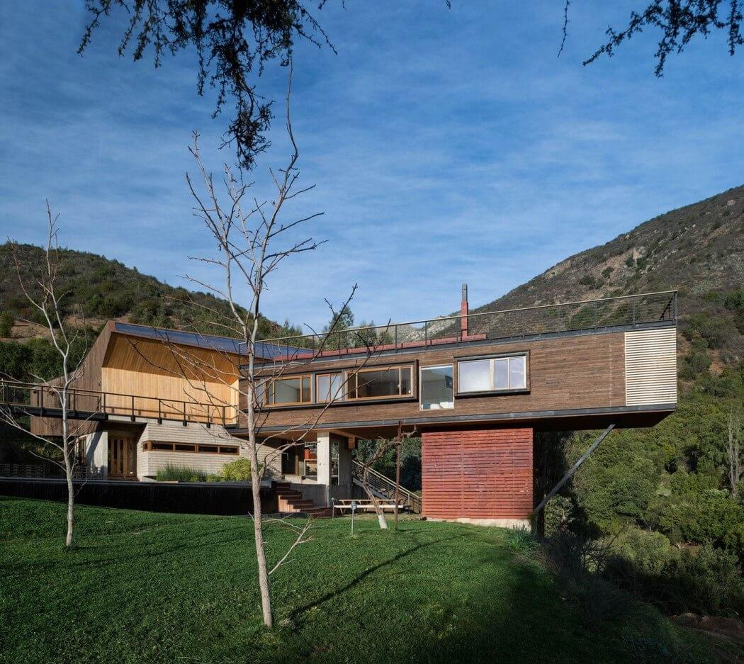 Contemporary Home Within Natural Reserve Chile2014