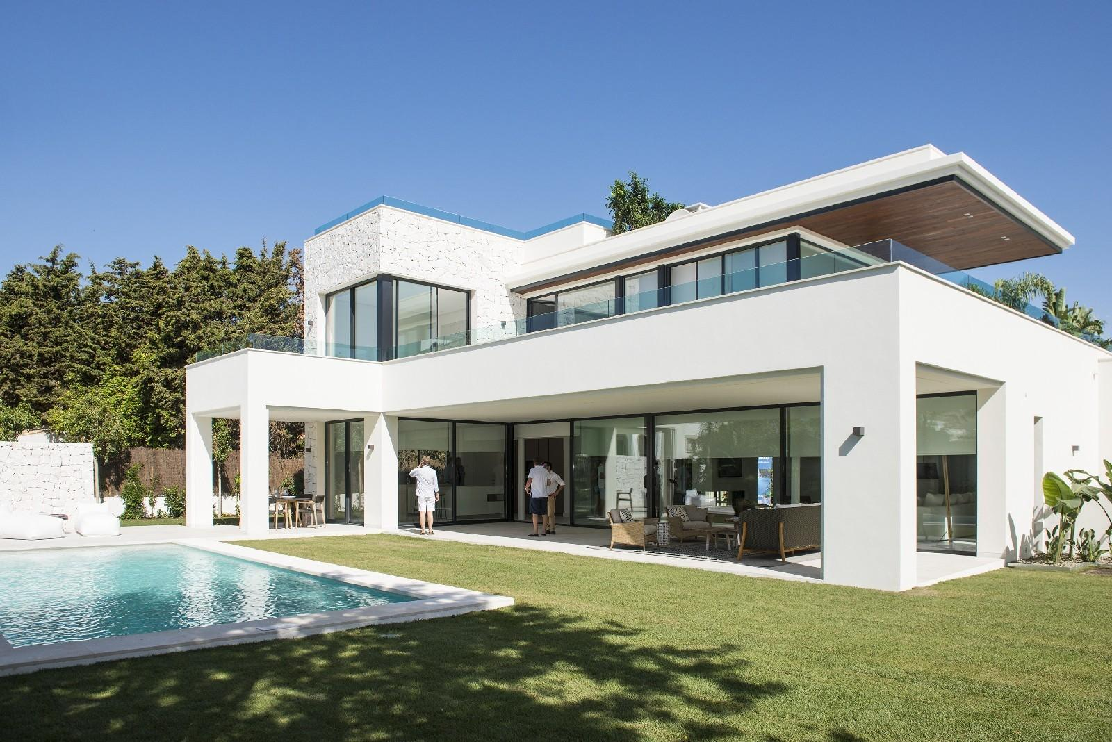 Contemporary Luxury Villas Sale Guadalmina Baja