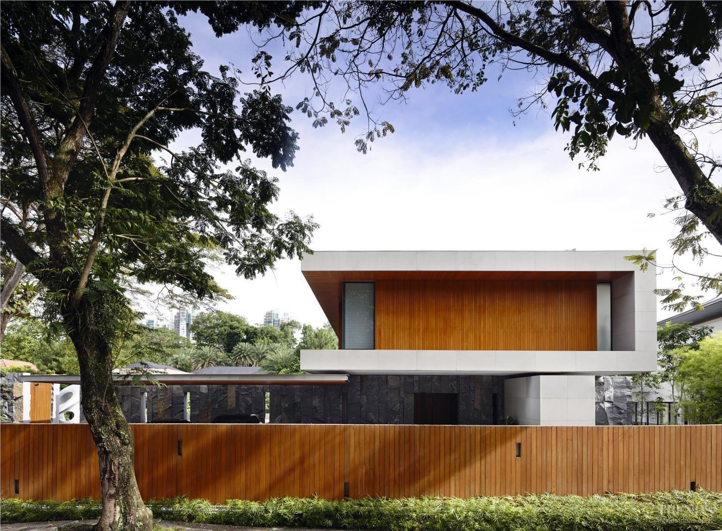 Contemporary Tropical City House Teak Cladding Lap