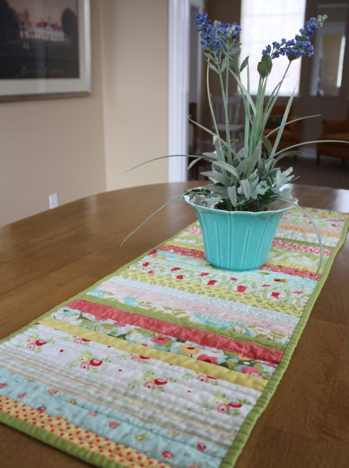 Cool Easter Table Runner Ideas Decorating
