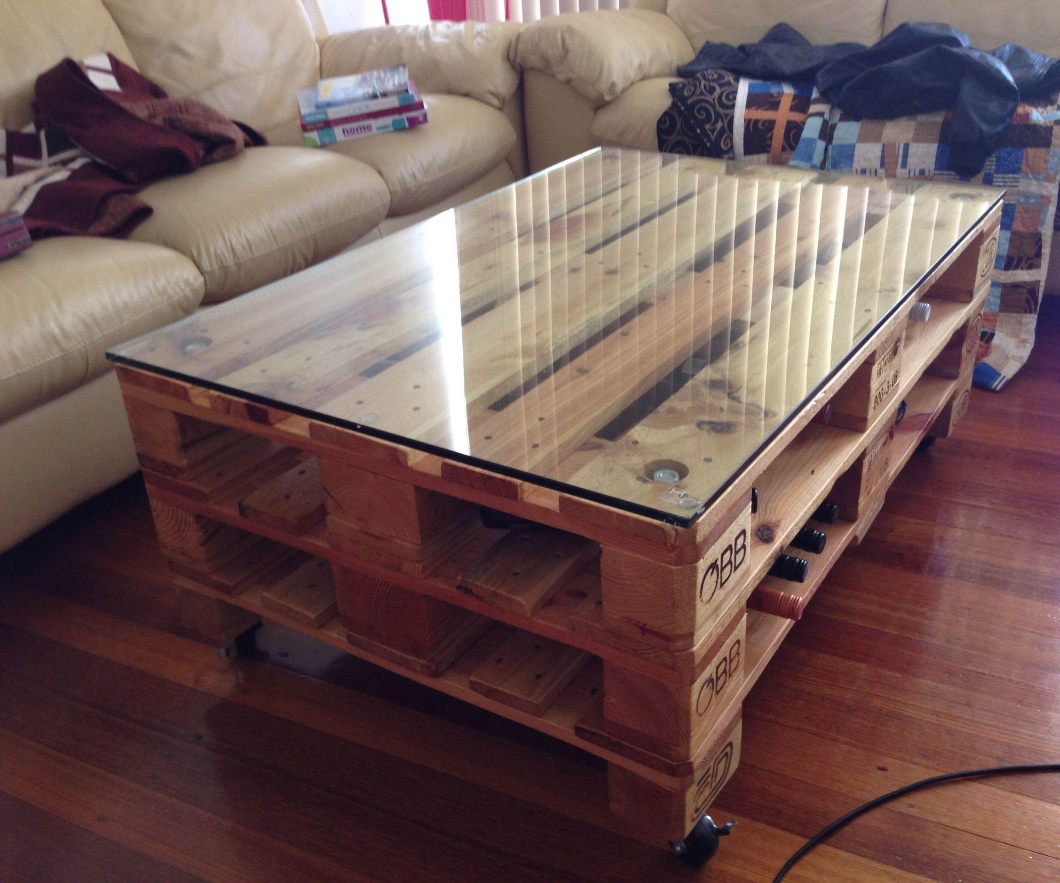 Cool Pallet Coffee Table Wheels Plans Living Room